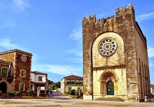 La Iglesia de San Nicolás es el monumento más destacado de Portomarín.