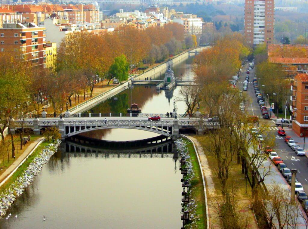 Río Manzanares a su paso por Madrid