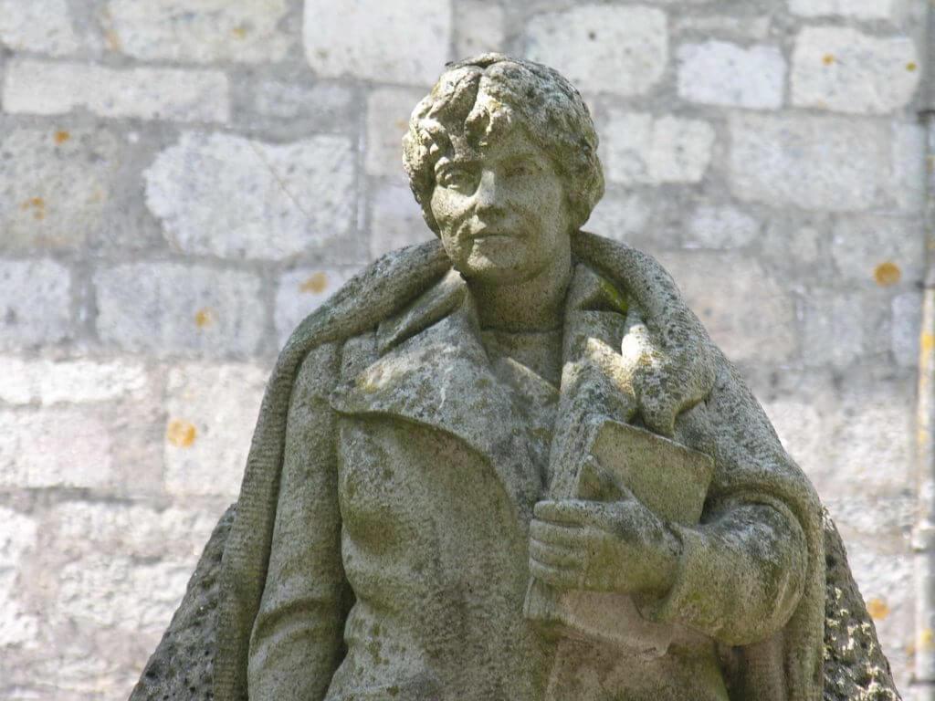 Estatua de Rosalía de Castro