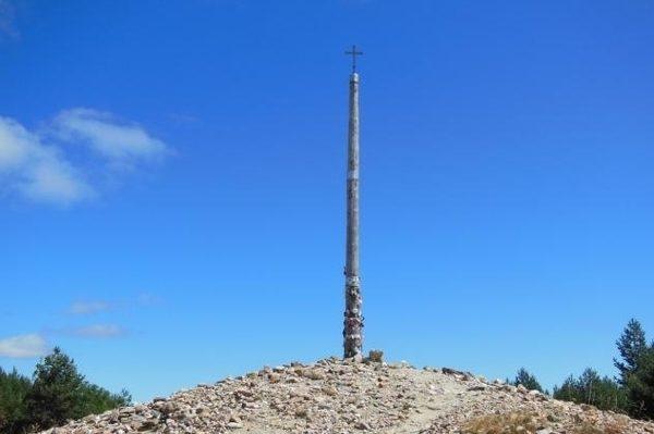 De Foncebadón a Ponferrada se alcanza el punto más alto del Camino Francés, situado a 1.500 metros.