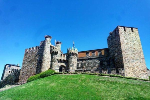 Imponente Castillo de Ponferrada