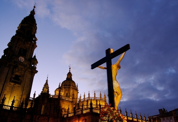If you like church music we recommend that you plan your arrival in Santiago de Compostela during Easter.