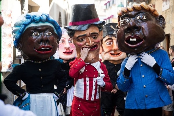 Santiago de Compostela: Enjoy the popular parade of papier-mache bigheads