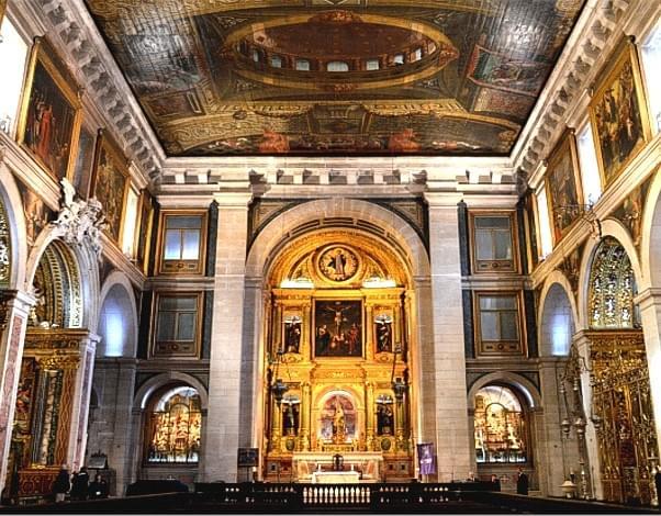 La imagen tiene un atributo ALT vacío; su nombre de archivo es iglesia-san-roque-lisboa08-1.jpg