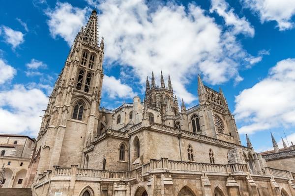 La Catedral Gótica de Burgos es uno de los puntos preferidos para empezar el Camino de Santiago Francés.