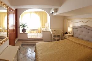 Accomodation in La Perla Hotel in Praiano