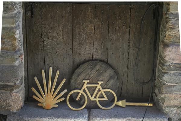Existen foros especialmente dedicados a peregrinos que quieren hacer el Camino de Santiago en bicicleta.