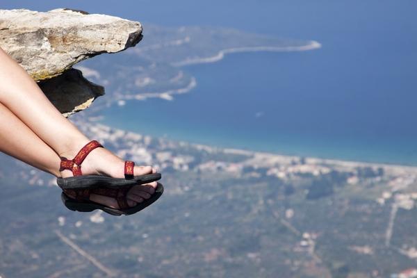 Sandalias: el calzado para hacer el Camino de Santiago en verano.
