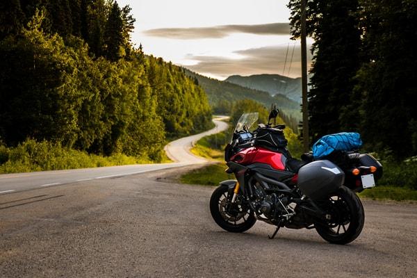 El Camino de Santiago también es una ruta que se puede hacer en moto y esta opción cada vez es más popular.