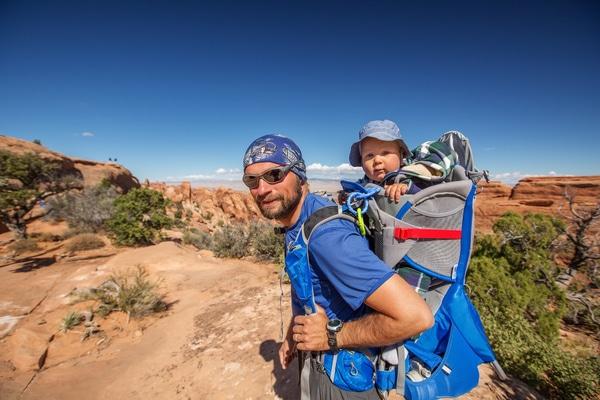 Hacer el Camino de Santiago con un bebé implica reducir al máximo posible el número de imprevistos y peregrinar de la forma más cómoda posible.
