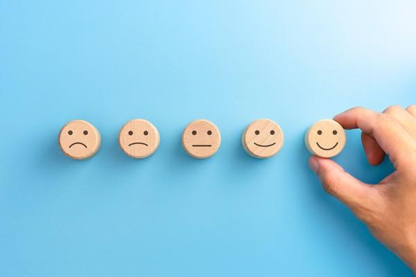 Para saber si una compañía es transparente y cumple con lo que ofrece, lo mejor es consultar las opiniones que los usuarios dejan en la red.
