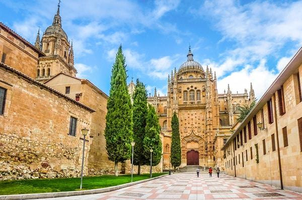 Salamanca feiert, wie viele andere Gemeinden in Mittel- und Nordspanien, den Águedas-Tag am 5. Februar.