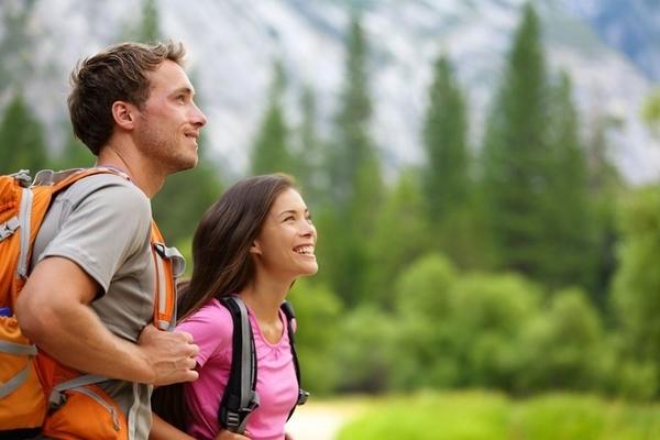 Der Jakobsweg ist als Weg der Liebe weitbekannt, da es ein faszinierendes Erlebnis als Paar sein kann, oder weil es der perfekte Ort zum Flirten und sich-verlieben ist.