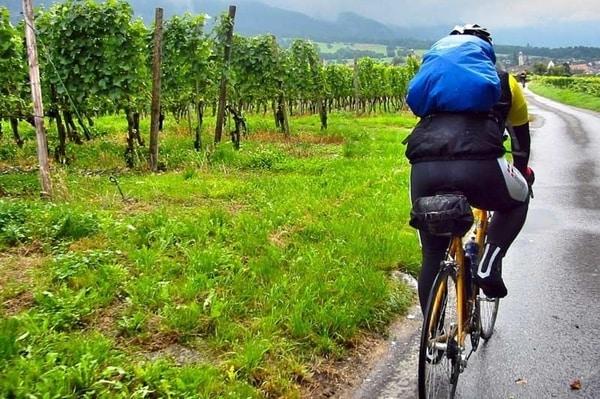 Der Vorteil, den Jakobsweg mit dem Rad zu fahren, ist, dass Sie pro Tag viel mehr Kilometer hinter sich bringen, weswegen Sie weniger freie Tage benötigen, um einen der Jakobswege komplett zu pilgern