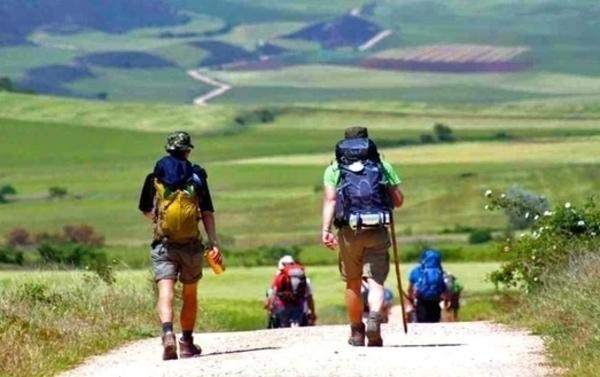 Viele Personen würden gerne den Jakobsweg wandern, aber machen es nicht, weil sie nicht wissen, was die beste Jahreszeit dafür ist.