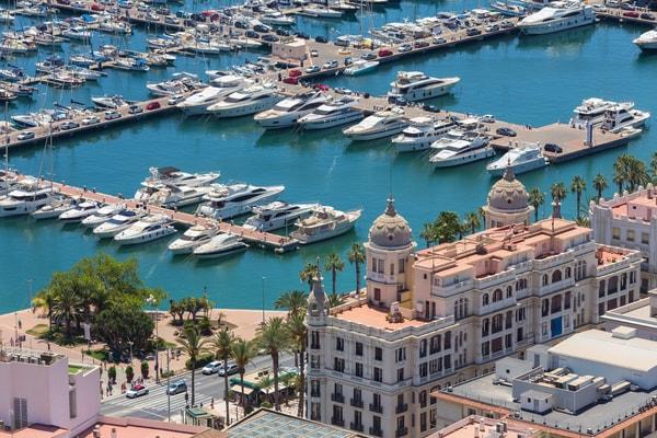 Alicante, the city from where the Camino del Sureste begins.