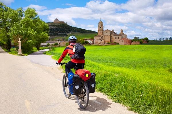 Why do men decide to do the Camino de Santiago?