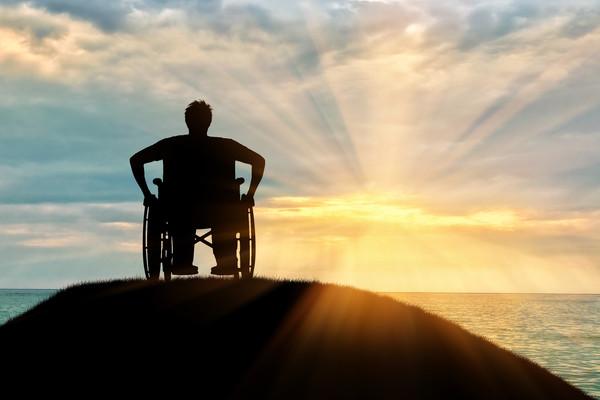 Dank der ständigen Wiederaufbauarbeiten der Jakobsrouten ist es heutzutage möglich, den Jakobsweg in einem Rollstuhl oder mit eingeschränkter Mobilität zu machen.